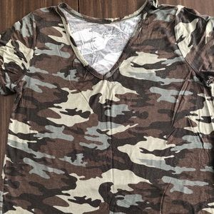 Relaxed fit camo tee size M fits like a L